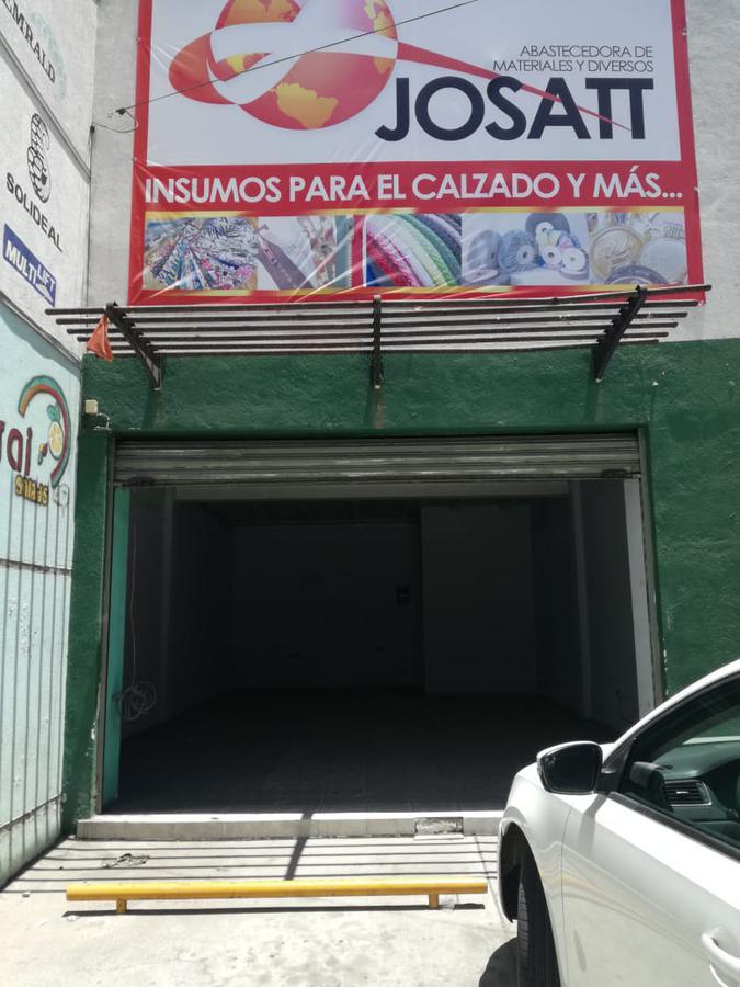 Foto Local en Renta en  San Miguel de Rentaría,  León  Local en centro comercial en renta en San Miguel / León (Guanajuato).