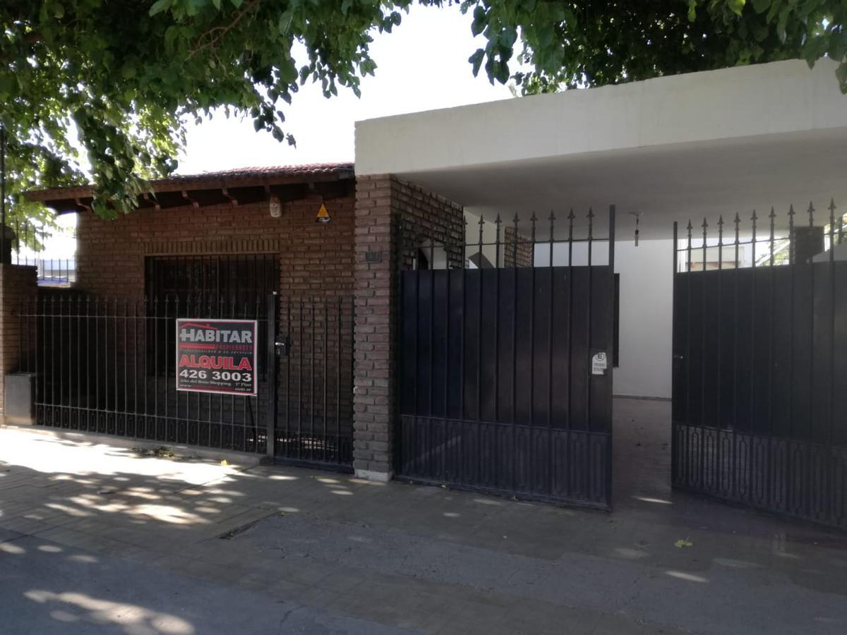 Foto Casa en Alquiler en  Santa Lucia ,  San Juan  Av. Libertador Gral. San Martín  al 1500