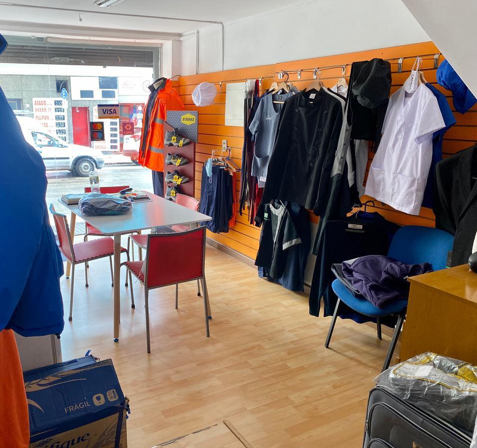 Foto Local en Alquiler en  Centro (Montevideo),  Montevideo  Paysandú zona comercial