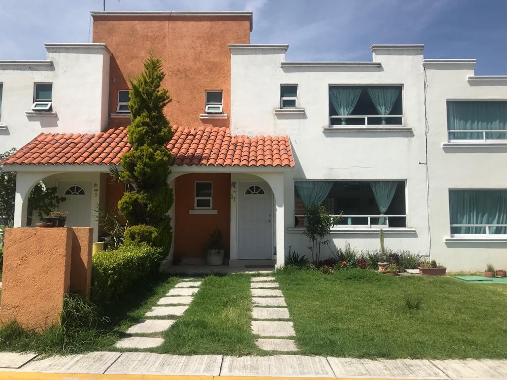 """Foto Casa en condominio en Renta en  Santiago Tlacotepec,  Toluca                  PROLONGACION LA PAZ, Fracc. """"EL ROBLE"""""""