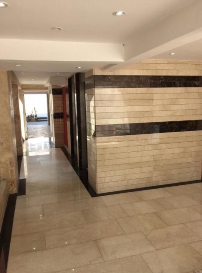 Foto Departamento en Venta en  Moron,  Moron  Sucre 238