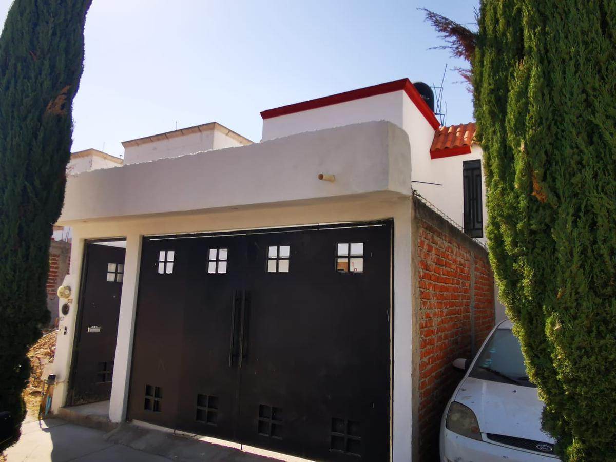 Foto Casa en Renta en  Fraccionamiento Jardines de San Juan,  León  Casa en renta a 5 minutos de blvd. Metropolitan