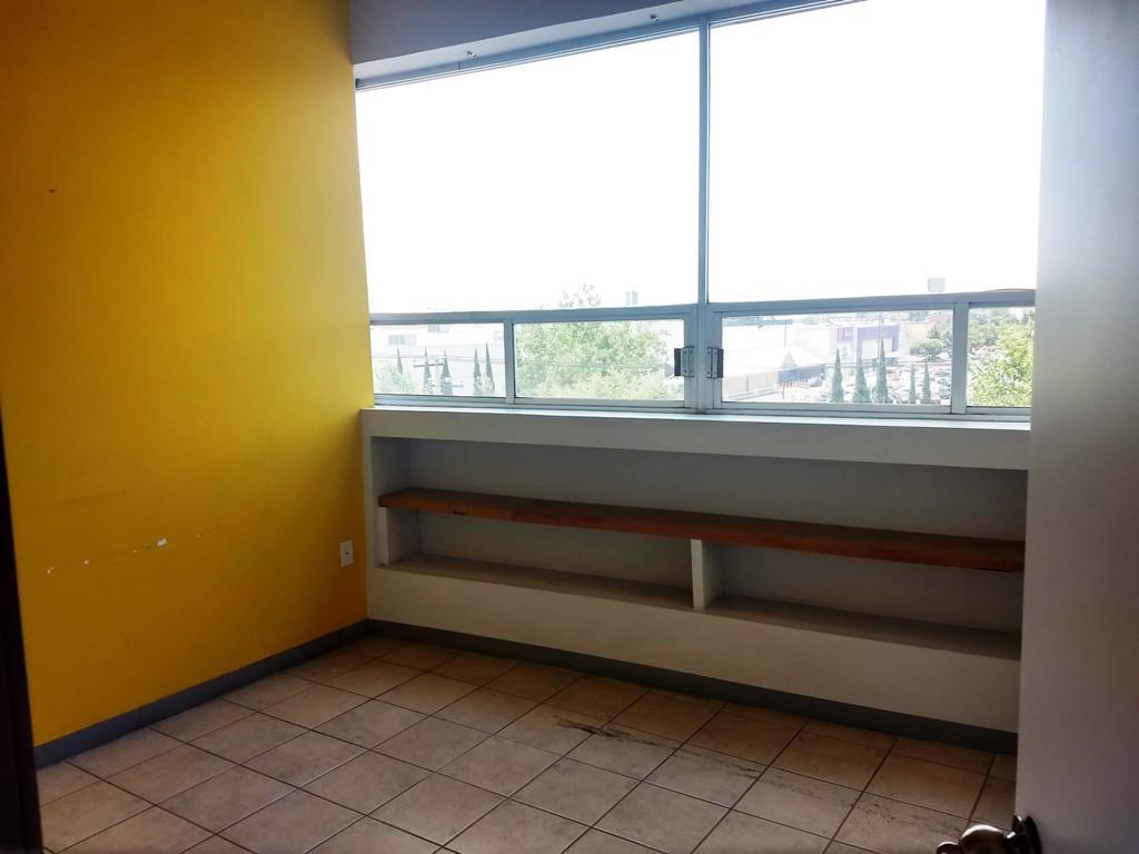 Foto Oficina en Renta en  Purísima,  Metepec  Calle Leona Vicario al 700 Piso 2