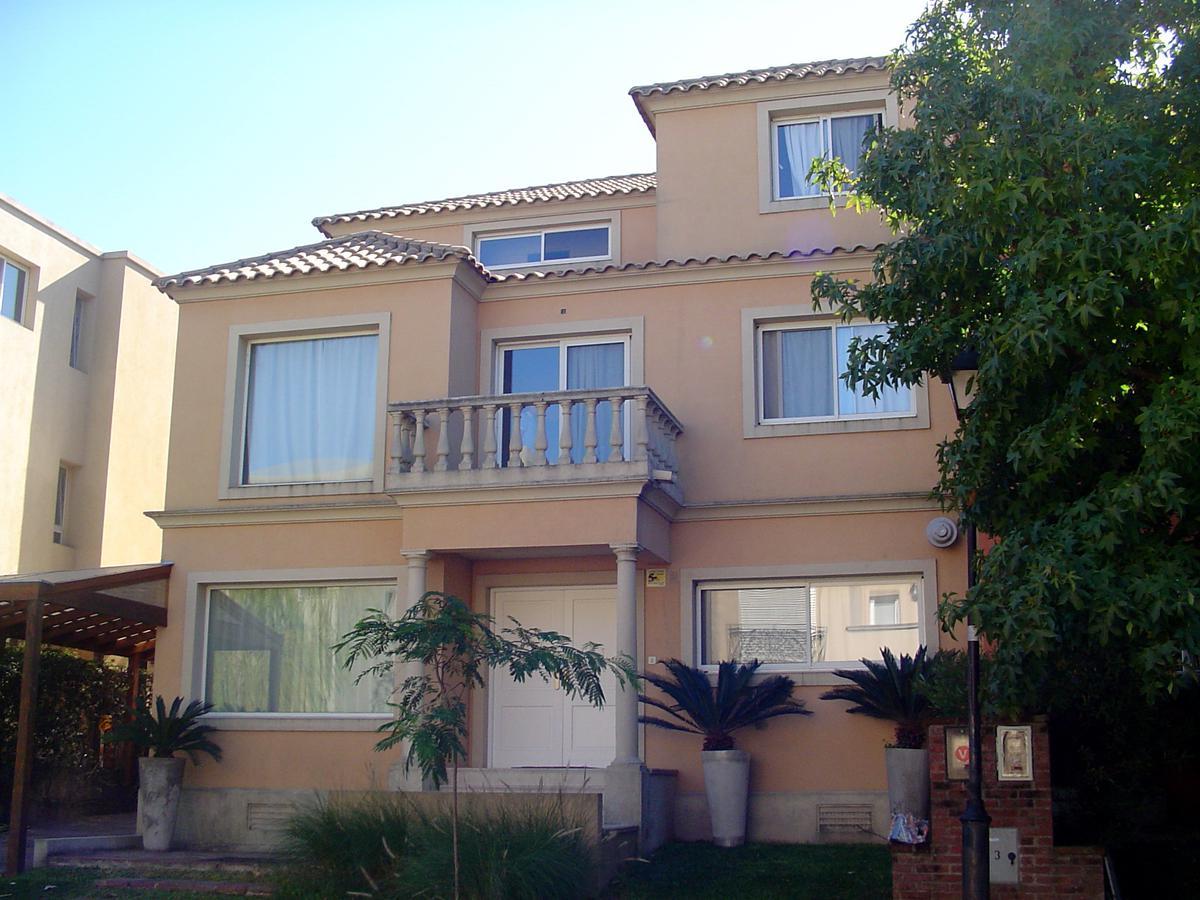 Foto Casa en Venta en  Barrancas de San Isidro,  San Isidro  Pedro de Mendoza N° 353, Lote15, Barrio Barrancas de San Isidro, San Isidro.