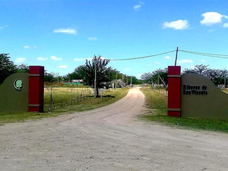 Foto Terreno en Venta en  San Vicente,  San Vicente  Av. Presidente Peron al 1500- MANZANA 32 LOTE 468-469
