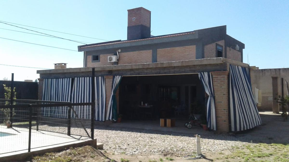 Foto Casa en Venta en  Villa Dolores,  San Javier  CASA EN VENTA CALLE VENEZUELA, VILLA DOLORES, CORDOBA