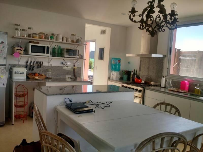 Foto Casa en Alquiler temporario en  Villanueva,  Countries/B.Cerrado (Tigre)  Bv. de Todos los Santos 3500