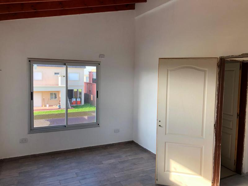 Foto Casa en Venta en  Laguna Azul,  Countries/B.Cerrado (Ezeiza)  Pres. Nestor Kirchner 11300 BARRIO LAGUNA AZUL