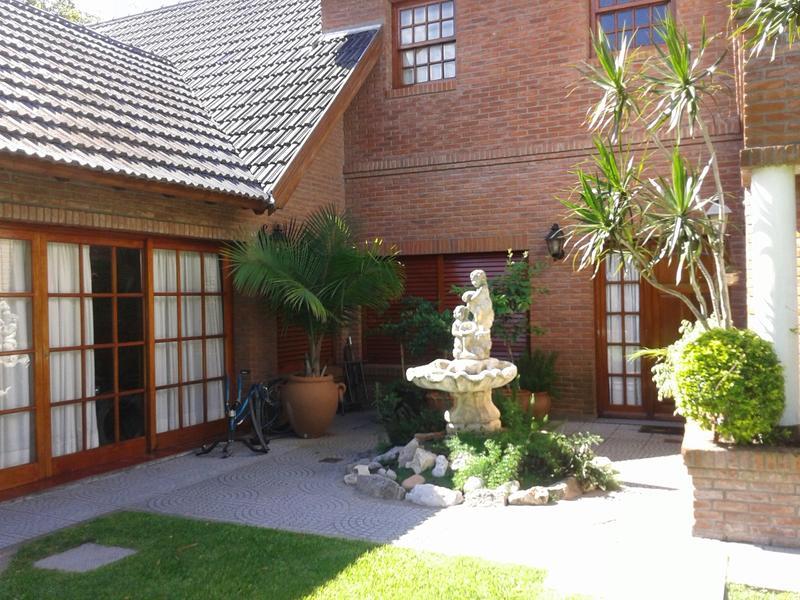 Foto Casa en Venta en  Lomas de Zamora Este,  Lomas De Zamora  PUEYRREDON 665