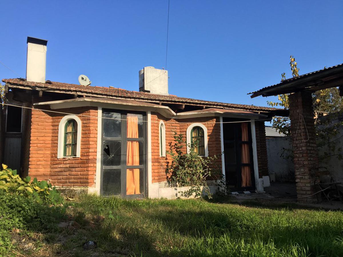 Foto Casa en Venta en  Esc.-Centro,  Belen De Escobar  Lemos 189. A REFACCIONAR
