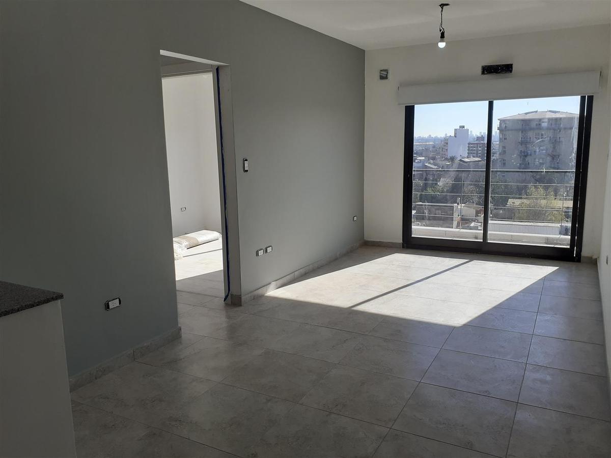 Foto Departamento en Venta en  Piñeyro,  Avellaneda  Av. Yrigoyen al 1300