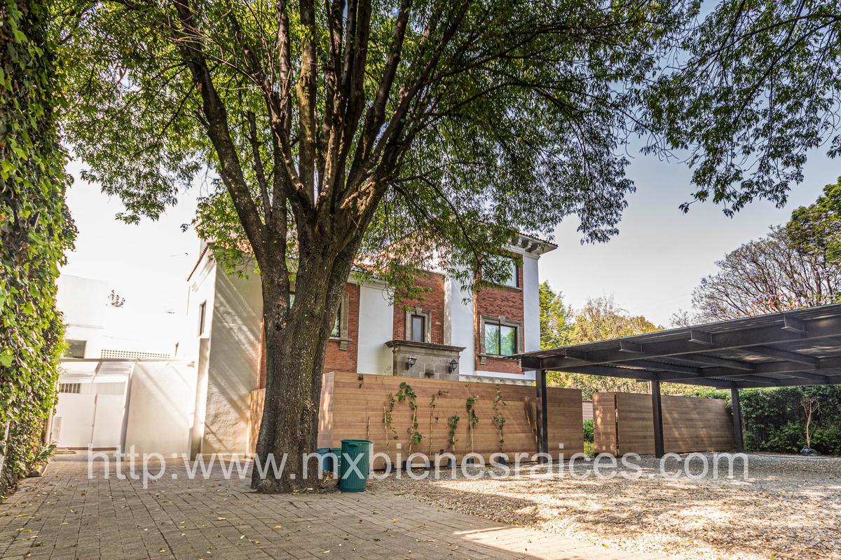 Foto Casa en Renta en  Miguel Hidalgo ,  Ciudad de Mexico  Casa/oficina en renta en  Paseo de las Palmas