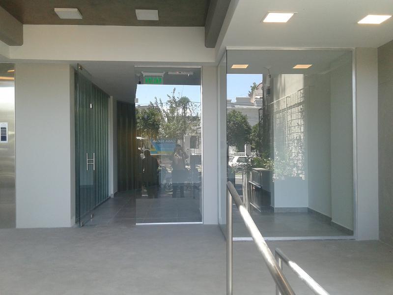 Foto Local en Alquiler en  Barrio Norte,  San Miguel De Tucumán  Av. Salta al 500