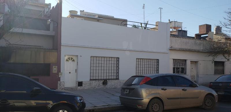 Foto PH en Alquiler en  Mataderos ,  Capital Federal  P.H. 4 ambientes en mataderos, al frente con terraza, Guaminí al 2.000