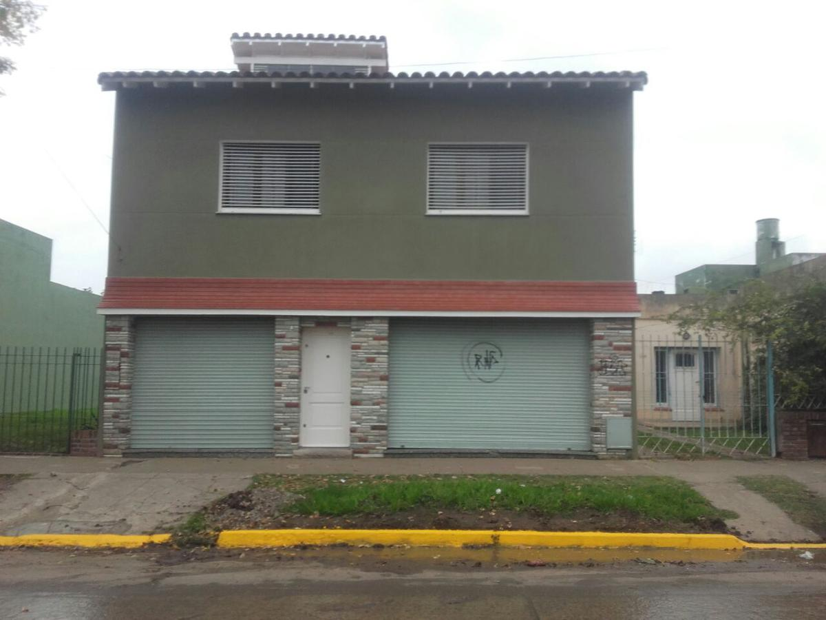 Foto Casa en Venta en  Rafael Calzada,  Almirante Brown  Colon al 3300