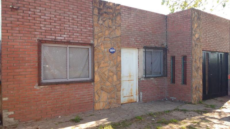 Foto Casa en Venta en  La Plata ,  G.B.A. Zona Sur  13 entre 84 y 85
