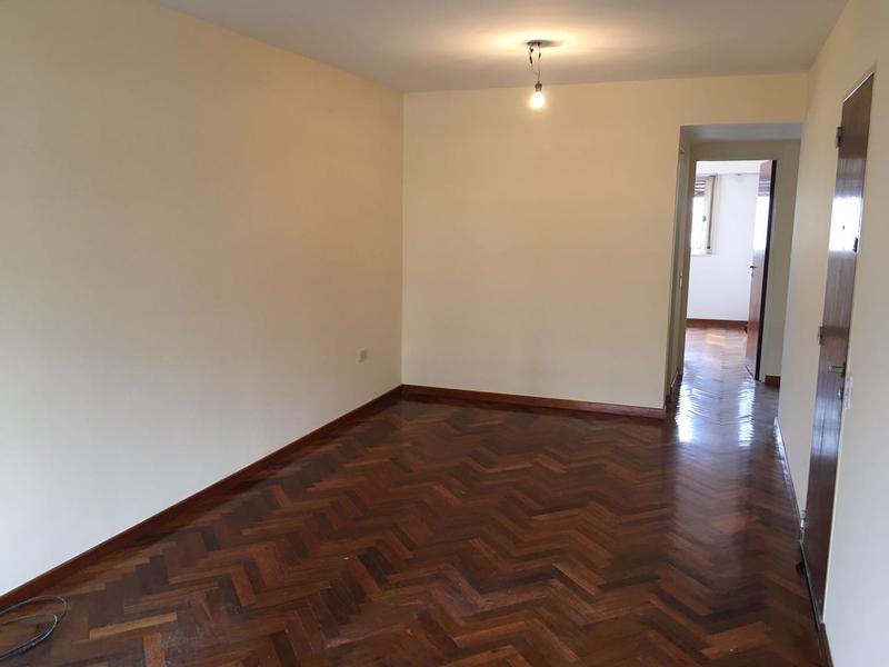 Foto Departamento en Alquiler en  Lomas De Zamora ,  G.B.A. Zona Sur  GORRITI al 500