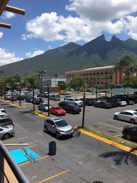 Alquiler de Local Entre 30 y 60 mts. en Monterrey Villa los Pinos