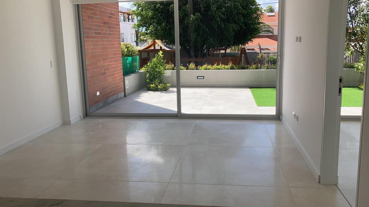 Foto Departamento en Venta en  Cumbayá,  Quito  URB. JARDINES DEL ESTE