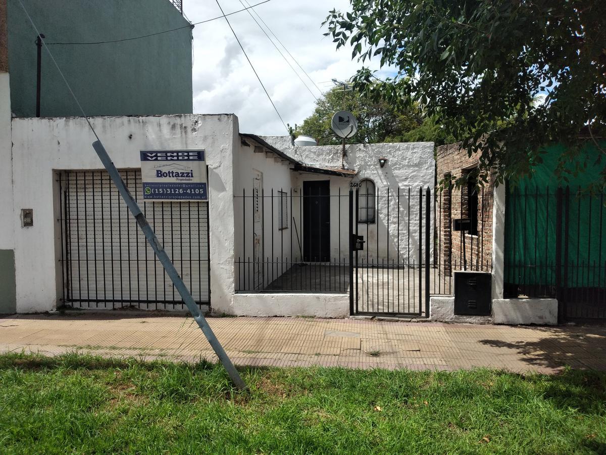 Foto Casa en Venta en  Claypole,  Almirante Brown  Ricardo Rojas al 2600