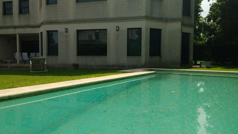 Foto Casa en Venta en  Manuel B Gonnet,  La Plata  21 esquina al 496