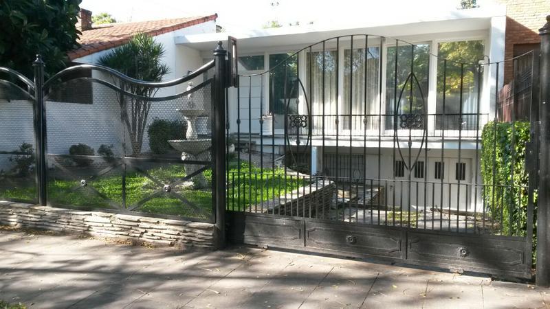 Foto Casa en Venta en  Adrogue,  Almirante Brown  ROSALES 1836 entre erezcano y la Rosa