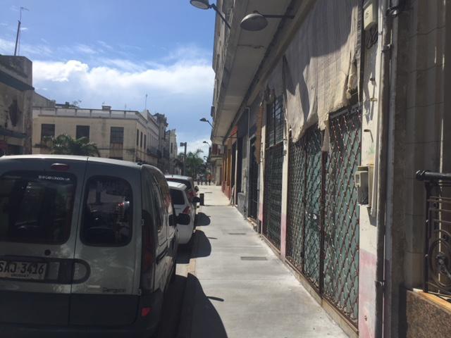 Foto Local en Venta | Alquiler en  Ciudad Vieja ,  Montevideo  Ciudad Vieja