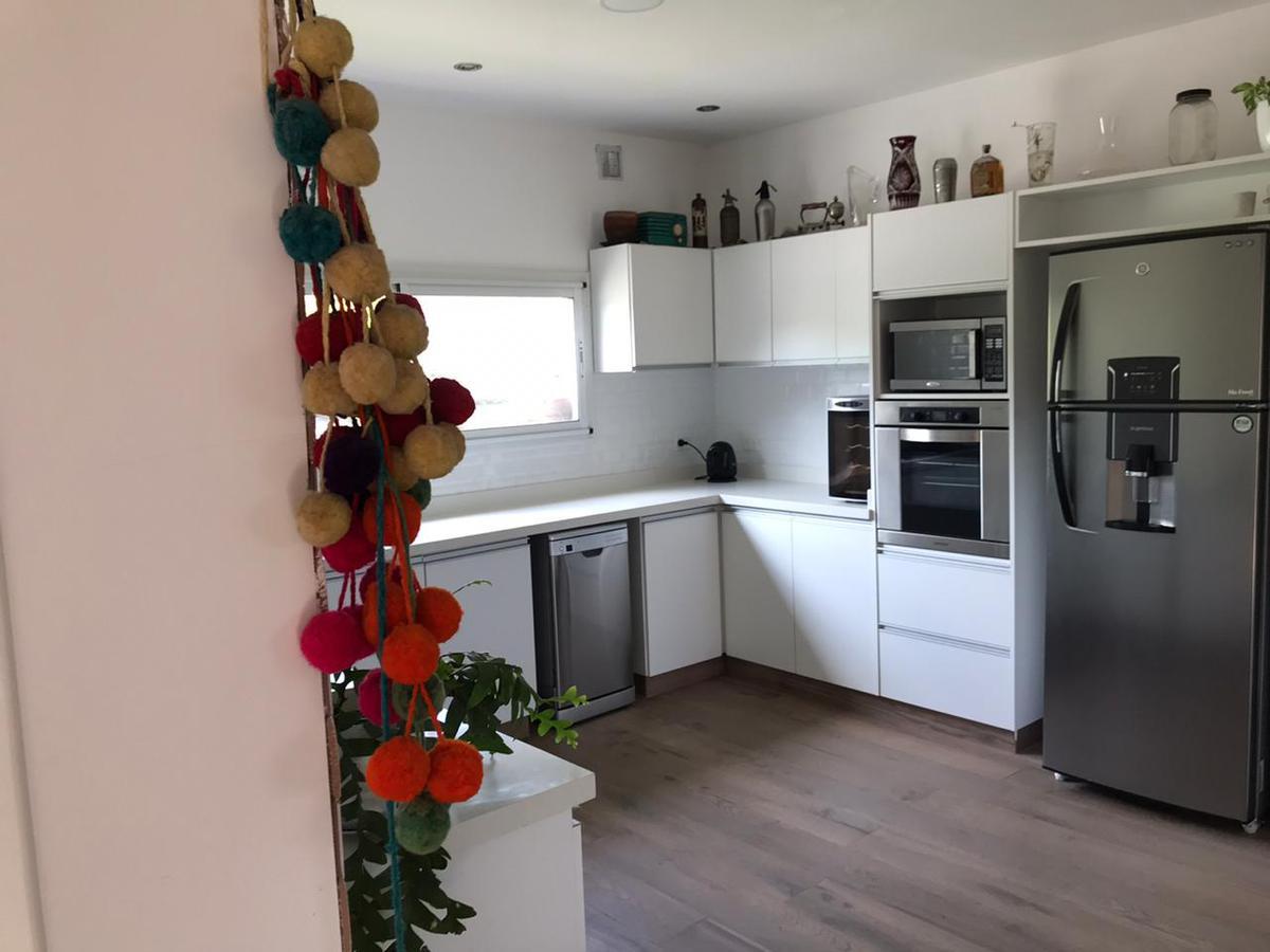 Foto Casa en Venta en  San Francisco,  Villanueva  Aristobulo del Valle 5155