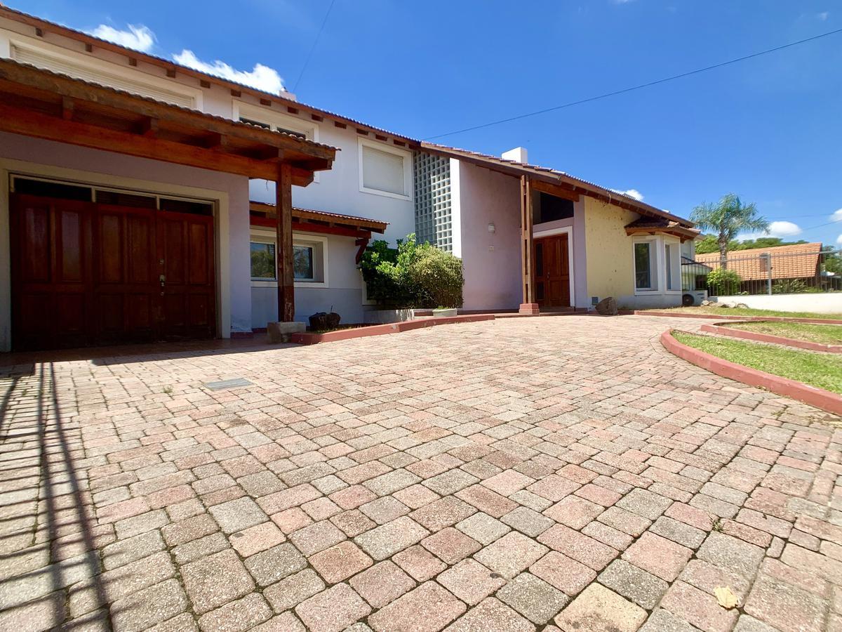 Foto Casa en Venta en  Cerro De Las Rosas,  Cordoba  Jose Esteban Bustos al 1600