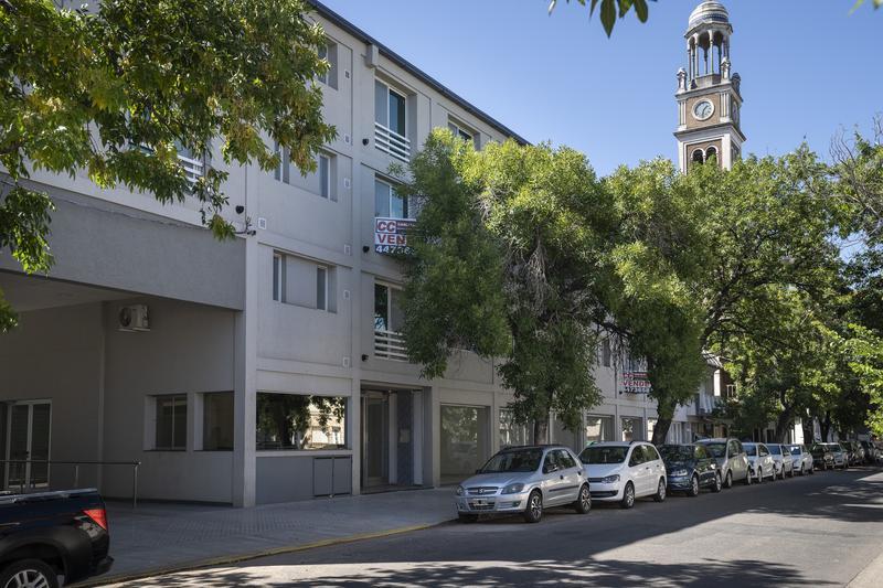 Foto Local en Venta en  Rosario ,  Santa Fe  Pte Roca 2350 PB