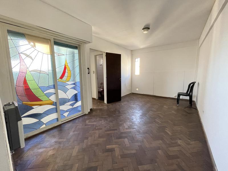 Foto Departamento en Alquiler en  Macrocentro,  Rosario  Urquiza 1329  8°