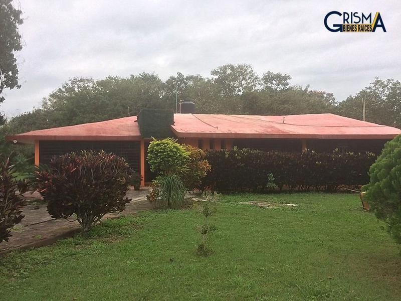 Foto Casa en Venta |  en  Congregacion Santiago de La Peña,  Tuxpan  CASA EN CLUB CAMPESTRE
