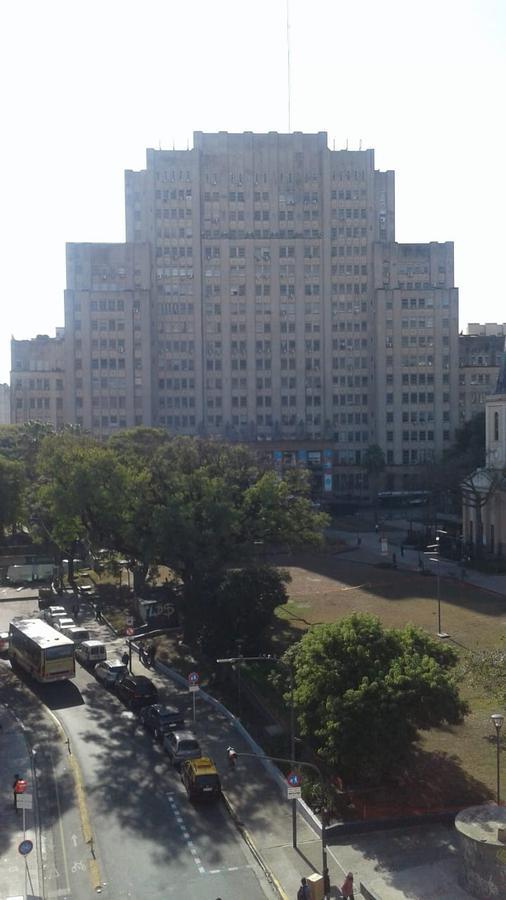 Foto Departamento en Venta en  Recoleta ,  Capital Federal  Av. Cordoba * 2200. 5to piso. al fte. 2 amb..  c/ bcon.  APTO PROF. COM.  Sup. Total 42m2. Por m2.  usd 1700
