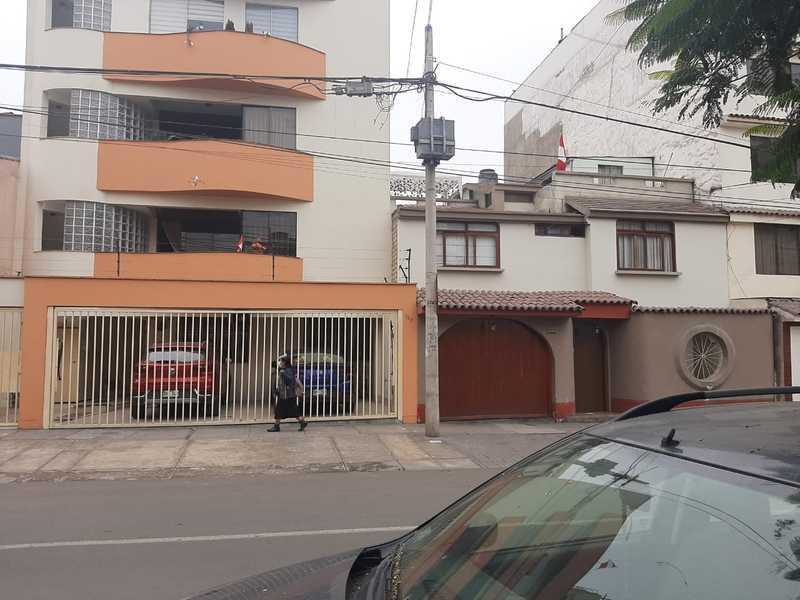 Foto Local en Alquiler en  Surquillo,  Lima  Calle Laurel Rosa