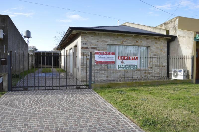 Foto Casa en Venta en  General Belgrano,  General Belgrano  Avenida Balbin e/ 53 y 55