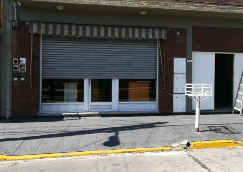 Foto Local en Alquiler en  Quilmes,  Quilmes  ECHEVERRIA al 100