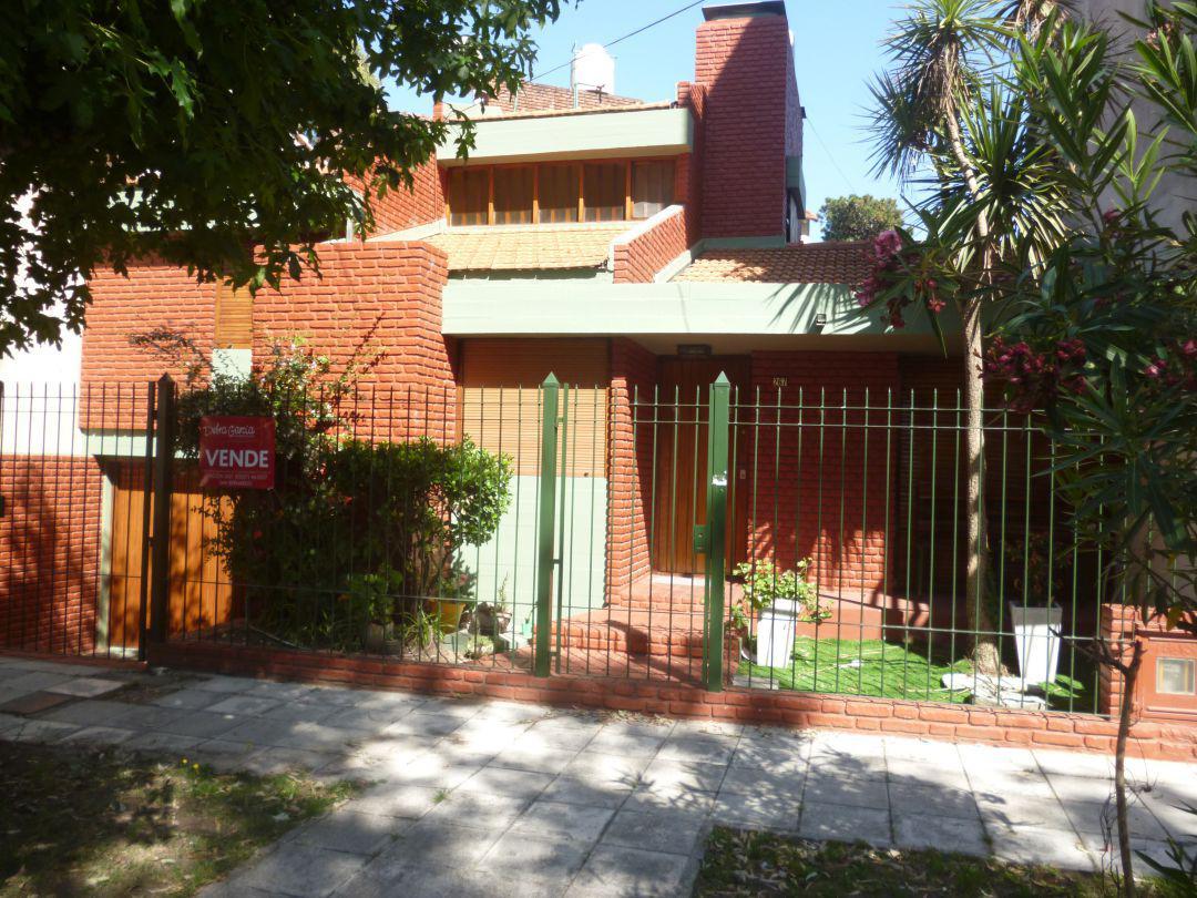 Foto Casa en Venta en  San Bernardo Del Tuyu ,  Costa Atlantica  Diagonal Urquiza 267