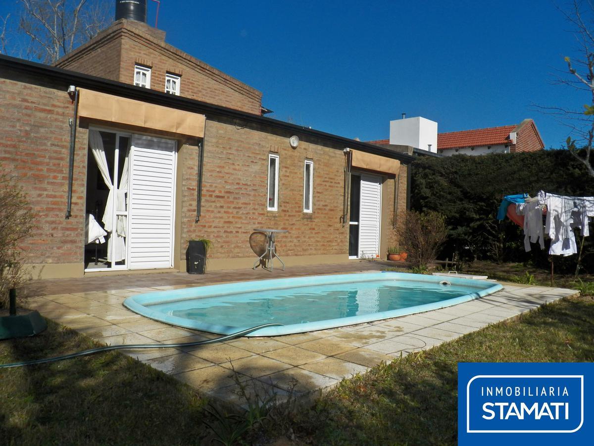 Foto Quinta en Venta en  Colastine,  La Capital  Casa/quinta - B° Las Paltas, Calle Las Fresias al 5700