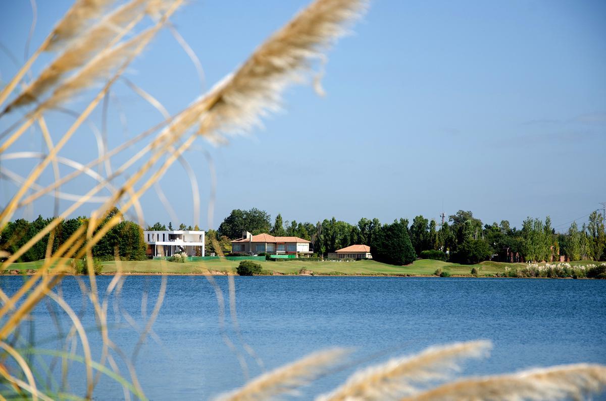 Foto Terreno en Venta en LOTE EN COUNTRY BUENOS AIRES GOLF CLUB, San Miguel | Countries/B.Cerrado (San Miguel) | Buenos Aires Golf