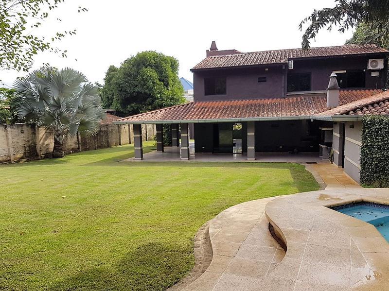 Foto Casa en Venta en  Zona Norte,  Fernando de la Mora  Zona Municipalidad de Asunción