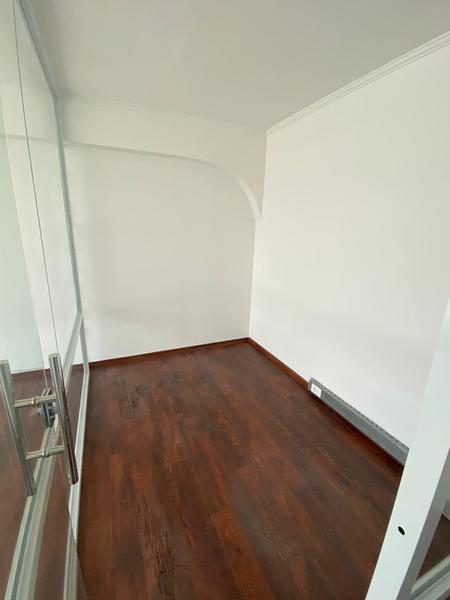Foto Departamento en Alquiler en  Ciudad Vieja ,  Montevideo  Plaza Independencia, oficinas para entrar , piso alto