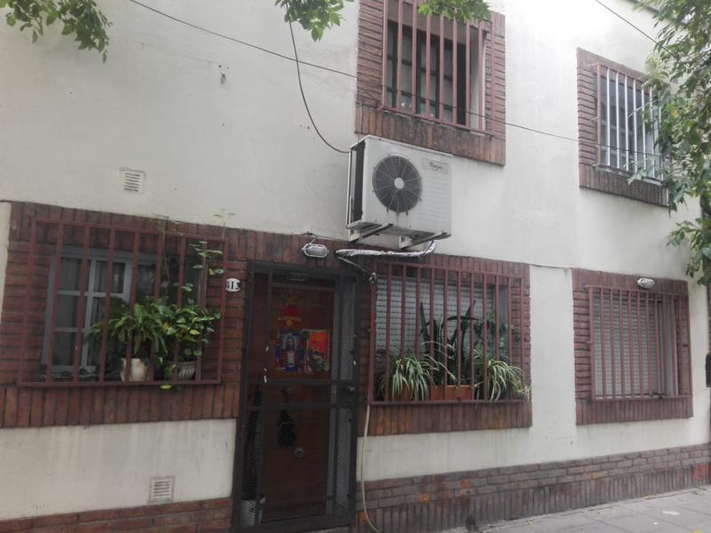 Foto PH en Venta en  Boedo ,  Capital Federal  Colombres al 800 entre Estados Unidos y Carlos Calvo