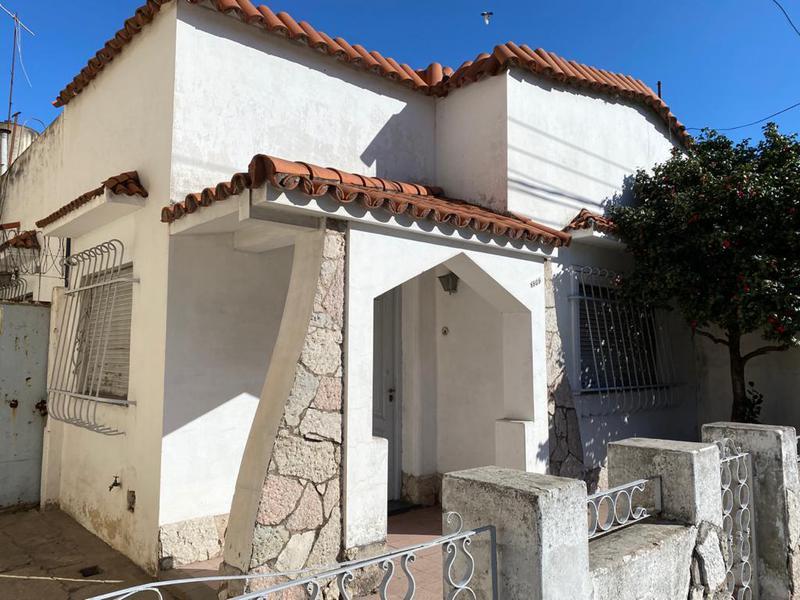 Foto Casa en Venta en  Rosario ,  Santa Fe  Bv. Segui al 1969