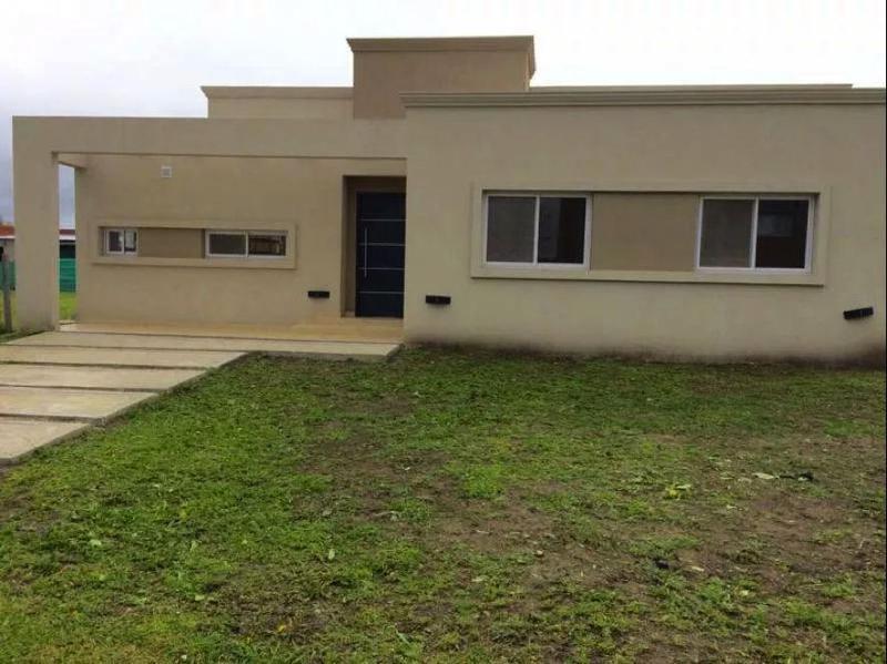 Foto Casa en Venta en  Santa Guadalupe,  Pilar Del Este  Caamaño 900