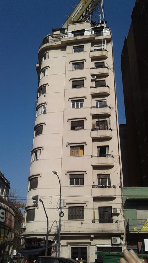Foto Departamento en Venta en  Recoleta ,  Capital Federal  Av. Cordoba * 2200. 5to piso.  2 amb. Al fte. Sup. Total 42m2.