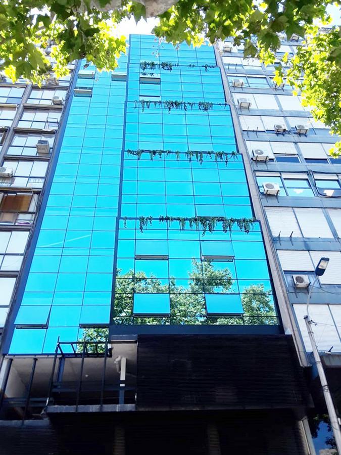Foto Apartamento en Alquiler en  Centro (Montevideo),  Montevideo  Rio Negro esq 18 de Julio