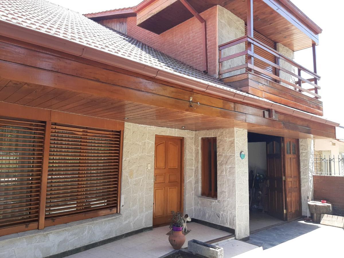 Foto Casa en Venta en  La Florida,  Mar Del Plata  Chalet 5 ambientes en venta La Florida