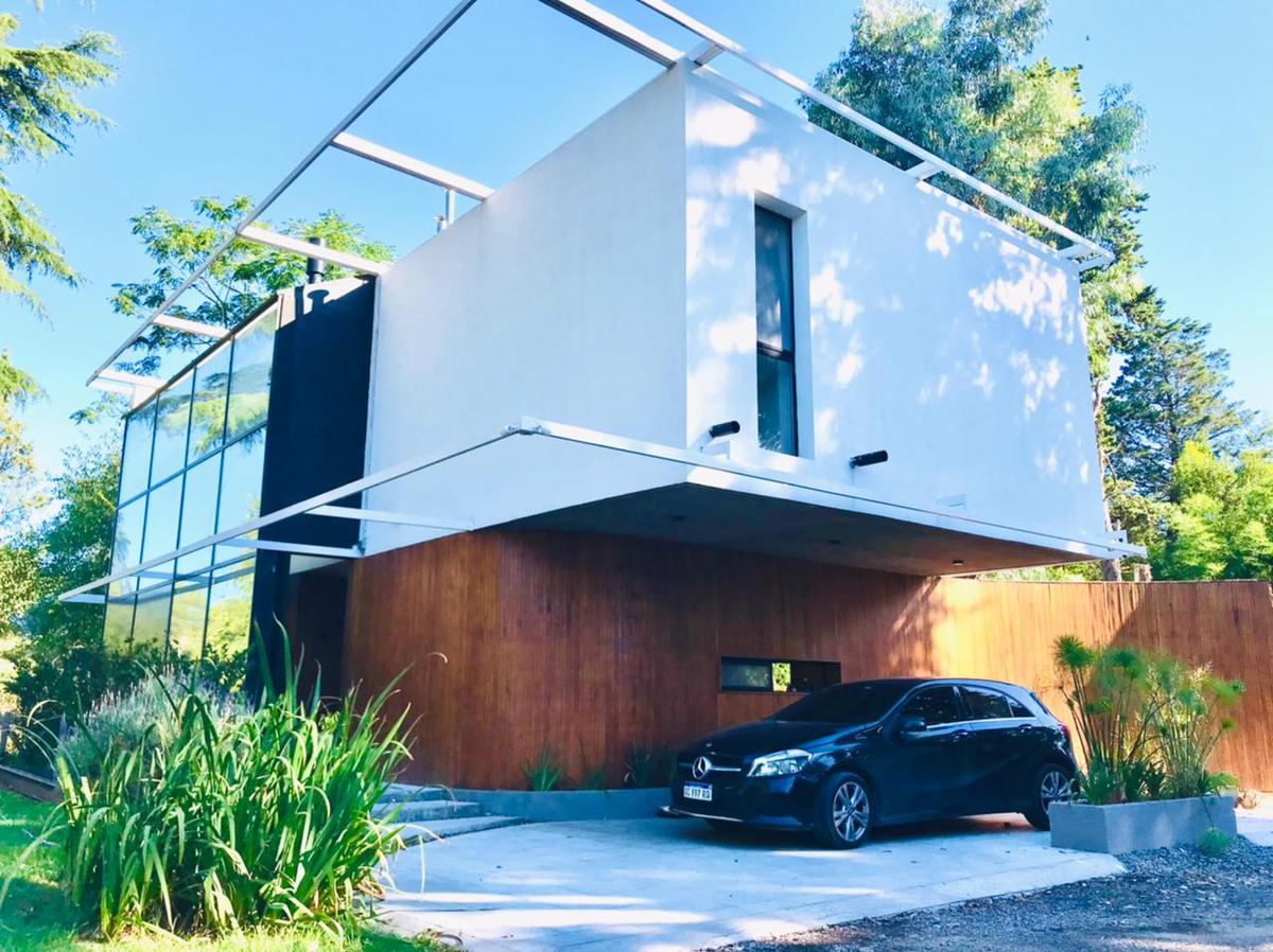 Foto Casa en Venta en  Barrio Parque Leloir,  Ituzaingo  Manuel Gomez Carrillo al 4100