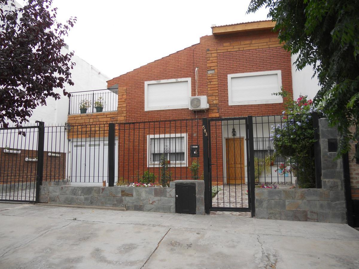 Foto Casa en Venta en  Neuquen,  Confluencia  Rio Mocoreta al al 600