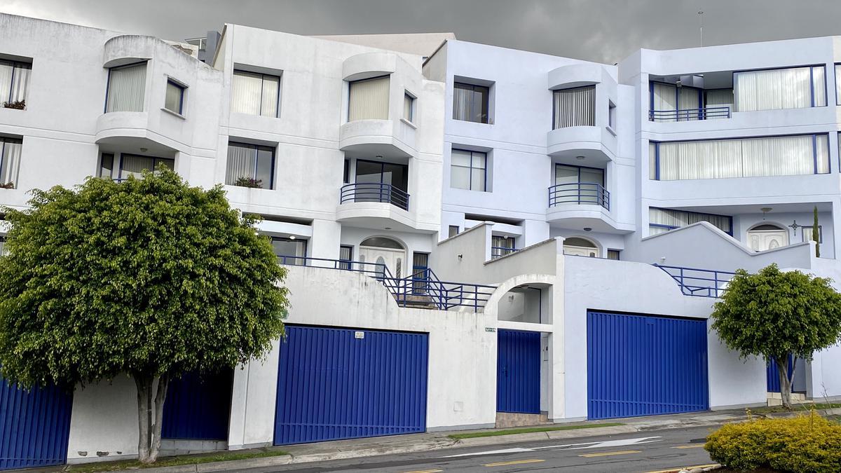 Foto Casa en Alquiler en  Cumbayá,  Quito  San Isidro Vista Grande